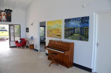 Villa Vincent Piano & Paintings